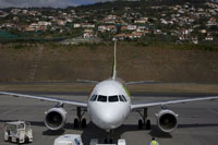 funchal airport image 11