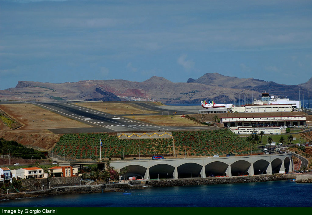 funchal airport image 71