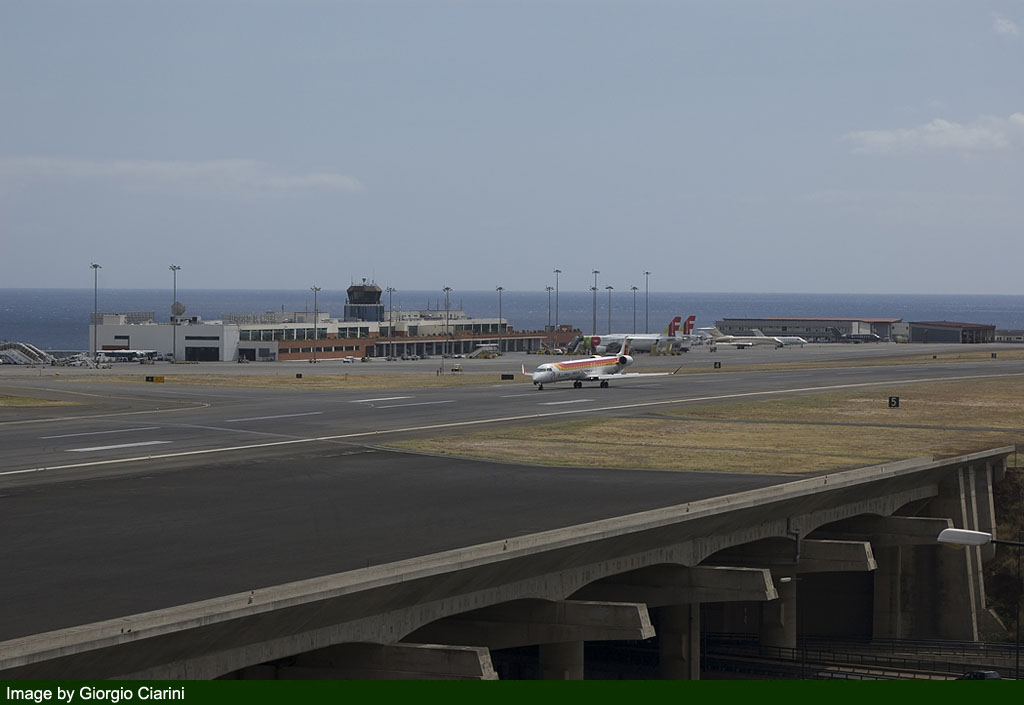 funchal airport image 72