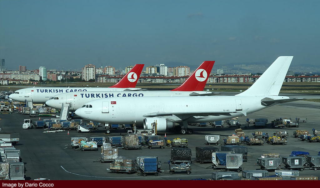 istanbul airport spotting 2012 image 21